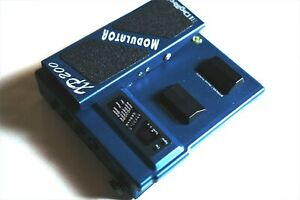Used XP-200 DigiTech Simulates 8 types Modulation Leslie Speaker Effects Pedal