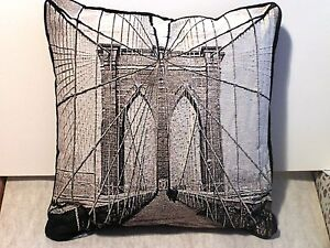 New-Brooklyn-Bridge-COTTON-WEAVE-Black-amp-Grey-PILLOW-16-034-X-16-034-Made-in-the-USA