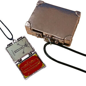 Fantastic-Beasts-and-Where-to-Find-Them-Suitcase-Locket-2-Micro-Trading-Cards
