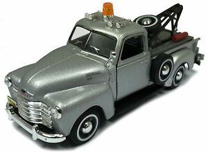 Chevrolet-C3100-Pickup-Tow-Truck-silber-Cararama-Auto-Modell-1-43