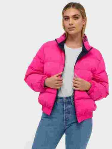 WOMEN/'S TOMMY JEANS REVERSIBLE LOGO DOWN JACKET IN PINK UKM RRP£200