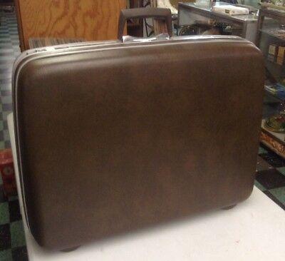 Samsonite Silhouette III,vintage luggage,hard shell,24 Traveler,Dove White,chrome,1985,original tags and keys,vintage,photo prop,suitcase