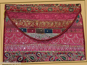 EMBROIDERED-SILK-PATCHWORK-PURSE-OF-ANTIQUE-RECYCLED-DRESSES-FROM-INDIA