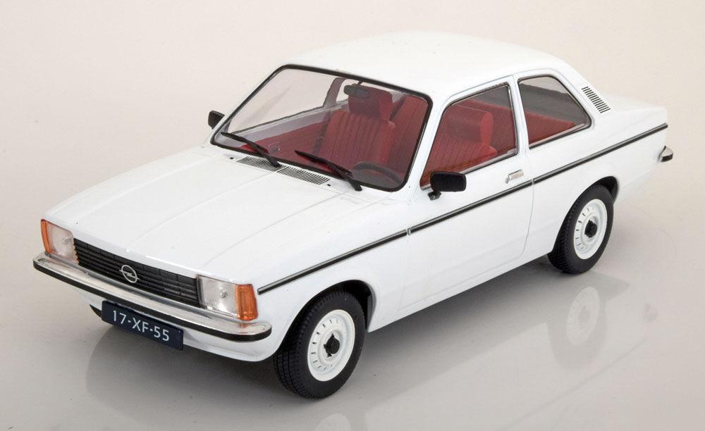 Triple 9 1977 Opel Kadett C Saloon bianca bianca bianca Color in 1/18 Scale. Nuovo Release 0630ad