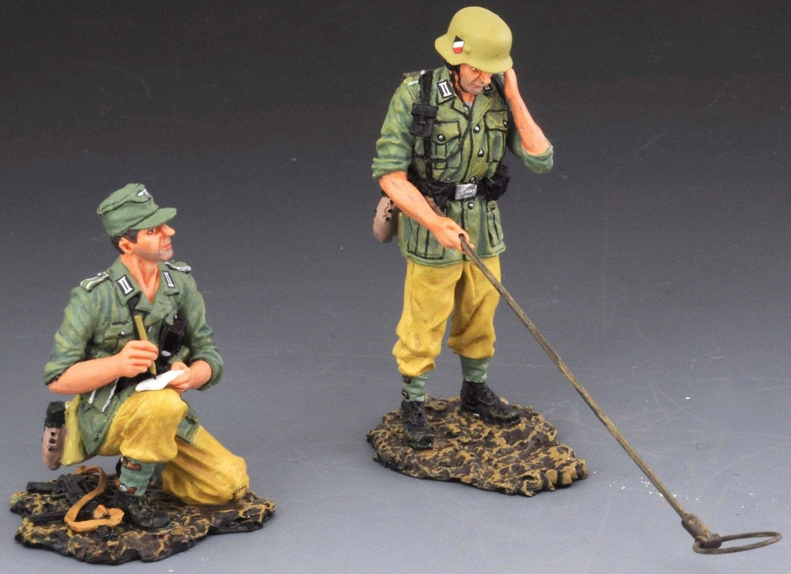 THOMAS GUNN WW2 GERMAN DAK SS029B THE MINE CLEARERS DESERT VERSION MIB
