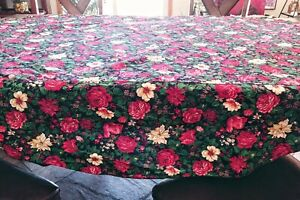 """Vintage Small Red Green White Black Floral Festive Oblong Tablecloth 40""""x60"""""""