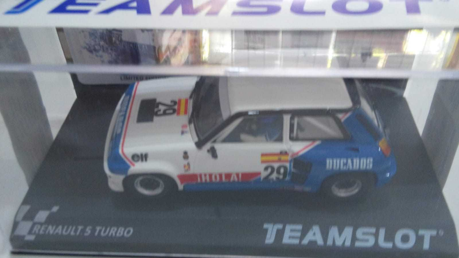 Scalextric  TEAM SLOT RENAULT 5 ELF