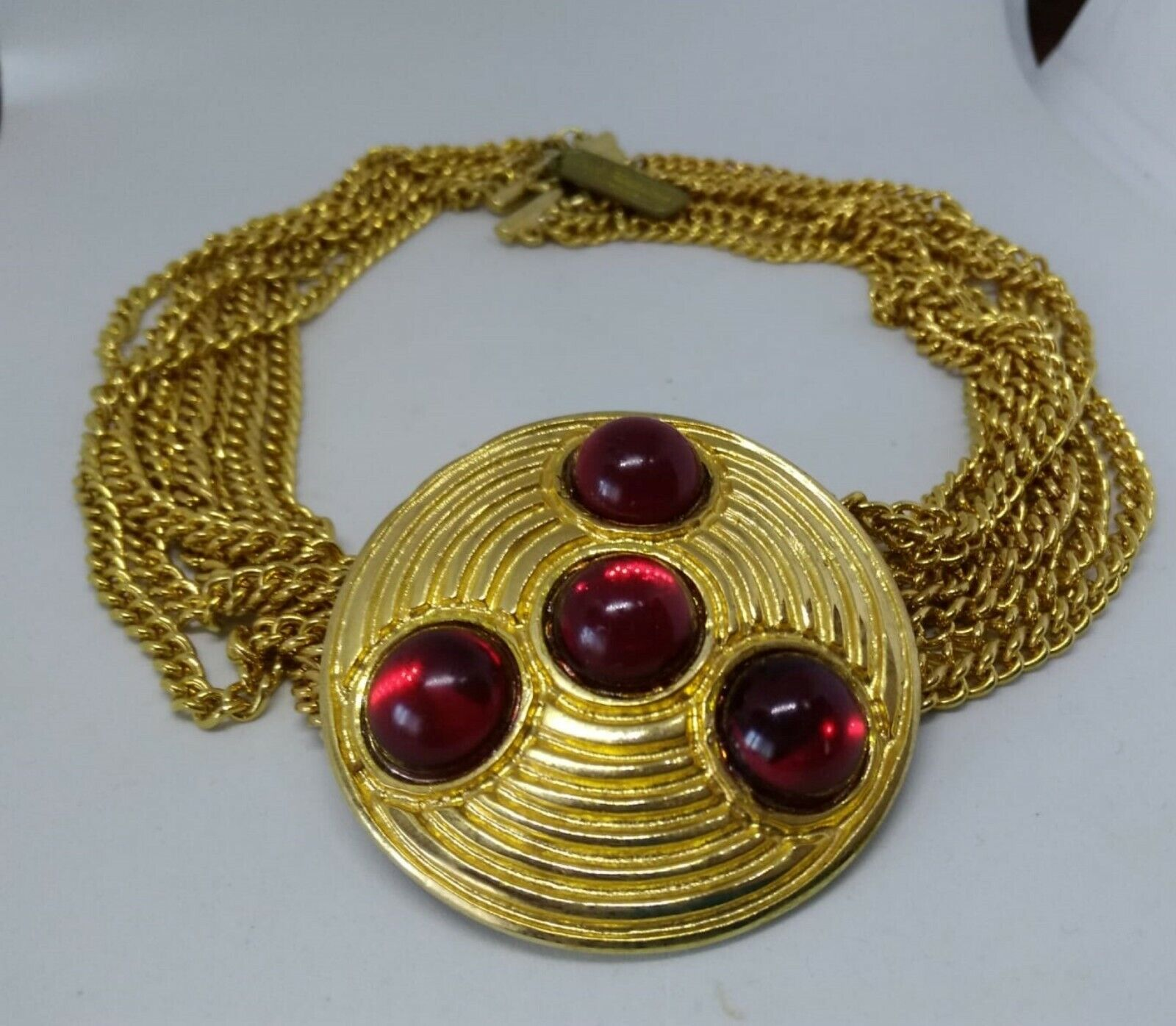Vintage Design Italian necklace chains and pendant Metal Color Gold and Red-show original title