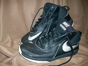 22d10823fffe USED  NIKE TEAM HUSTLE DT CHILDS BOYS SIZE 7 Y YOUTH BASKETBALL ...