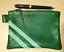Pochette-cuir-vert-sapin-avec-ruban-fantaisie miniature 1