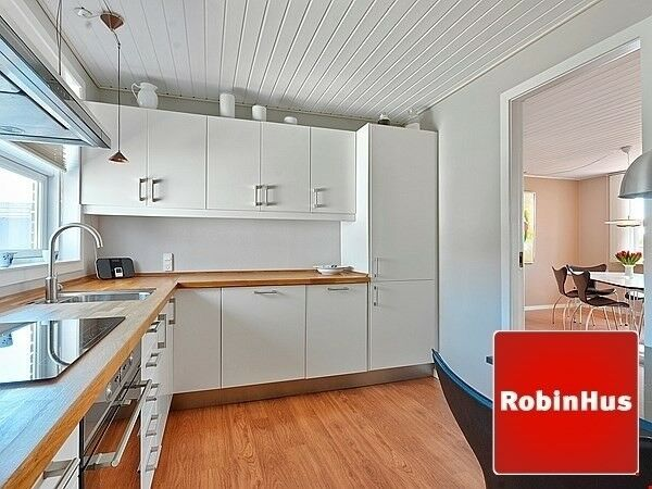 5700 Rækkehus, 3, 81