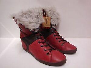 1 paire de chaussures femme Groundfive rouge taille 40 NEUVE
