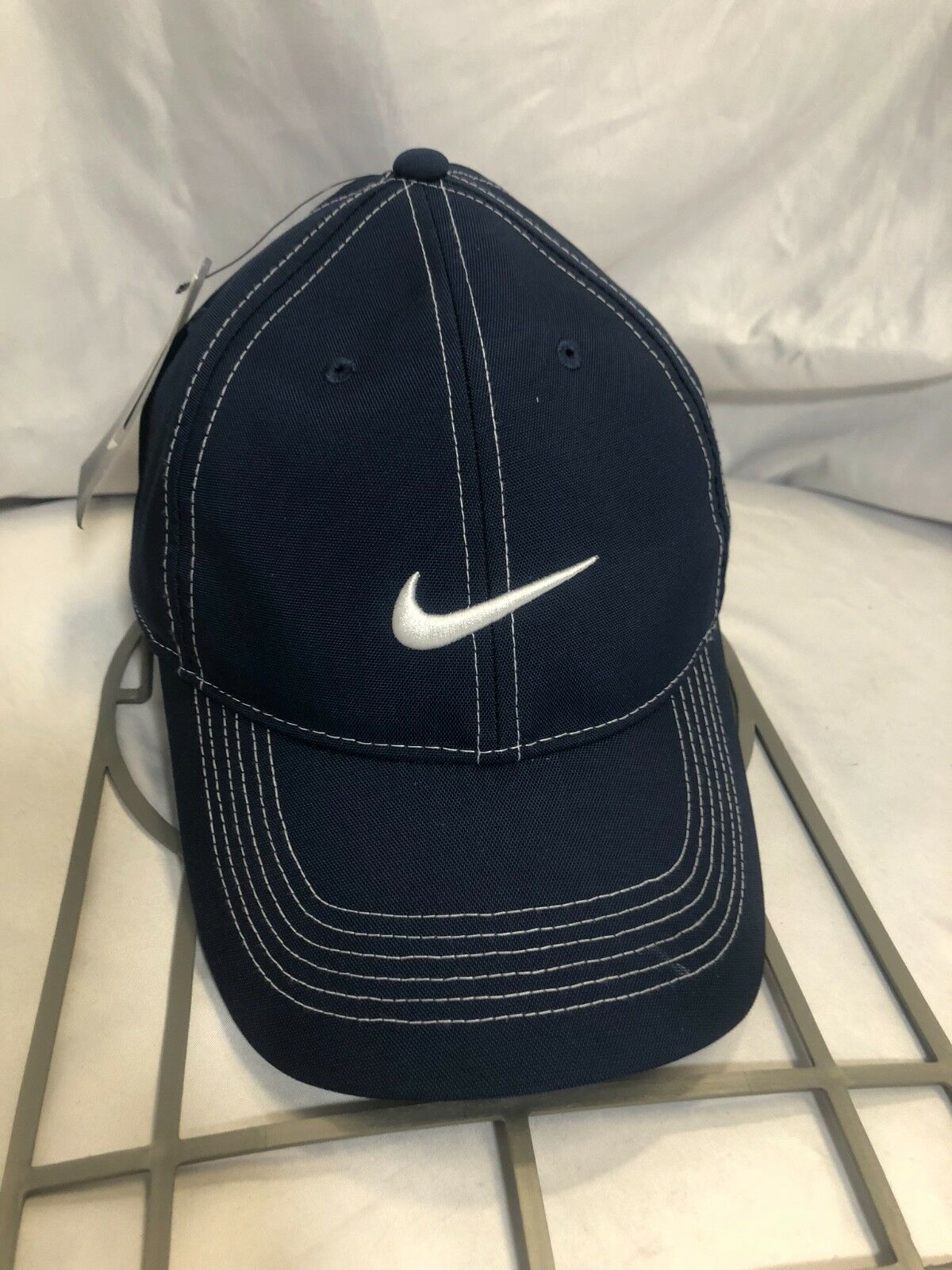 NWT Nike Golf Athletic Stay Cool DRI-FIT Navy Hat Blue White Stitch Unisex Hat Navy Cap 5fa334