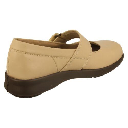 B Chaussures 7011 Easy femme ajustées Wide Beige qSSaUxwBOW