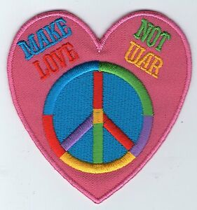 ECUSSON PATCHE THERMOCOLLANT PEACE  AND LOVE USA ETATS UNIS DIAM 7,8 CM