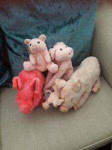 Used-soft-toys-bundles-pigs