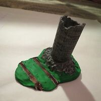 Ho Scale Painted Resin Barn Silo In Ruins