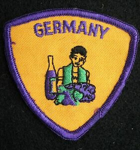 GERMANY-EMBROIDERED-SEW-ON-PATCH-TOURIST-SOUVENIR-3-034-x-3-034