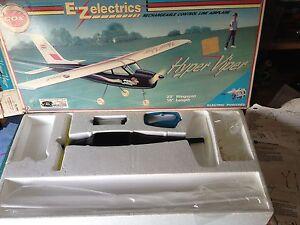 Vintage-Cox-avion-hyper-viper-9401-NO-TIENE-LA-BATERIA-VER-FOTO