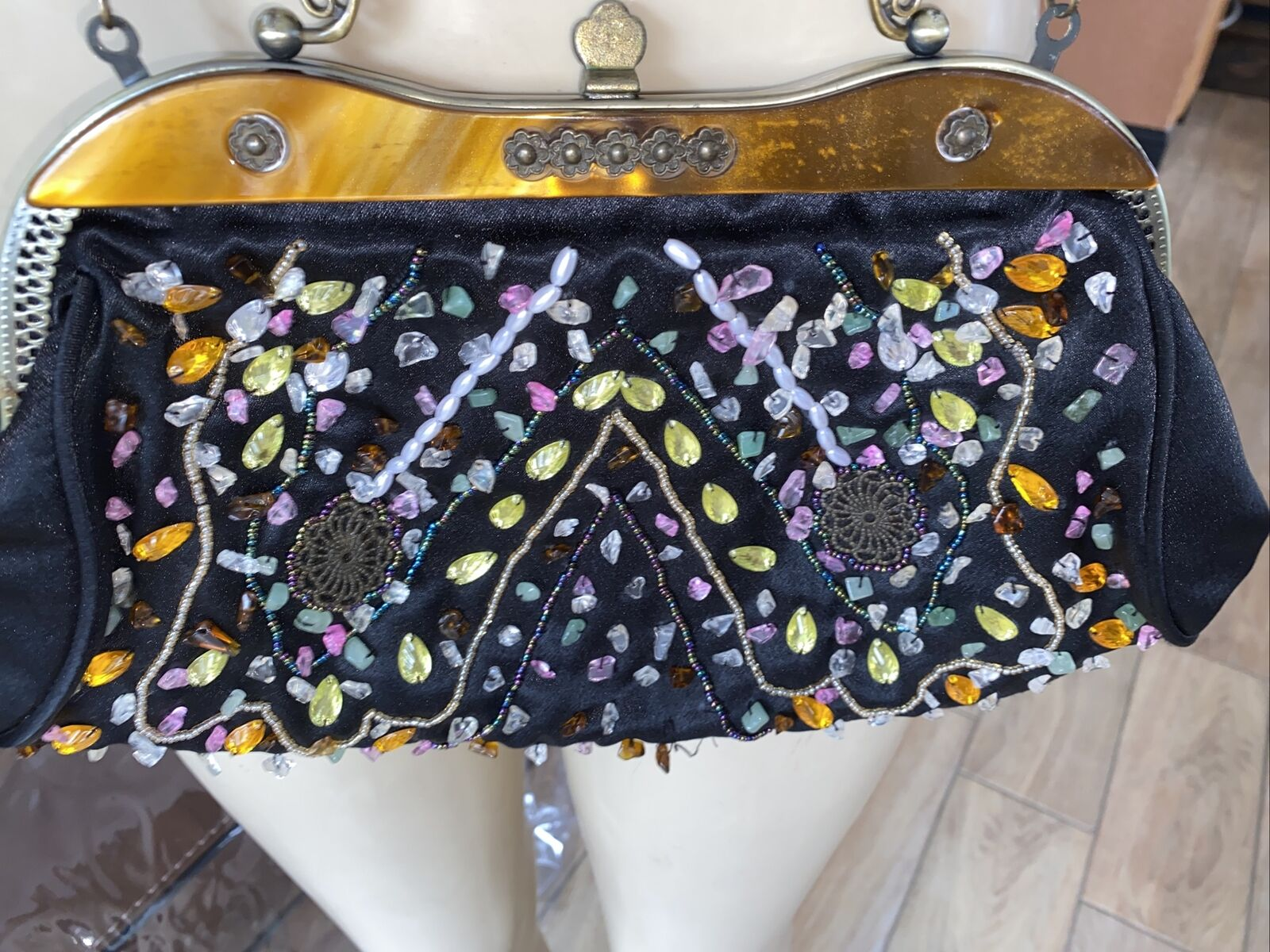 Beautiful VTG STYLE Beaded Purse - Metal Frame, Chain Handle - bbb