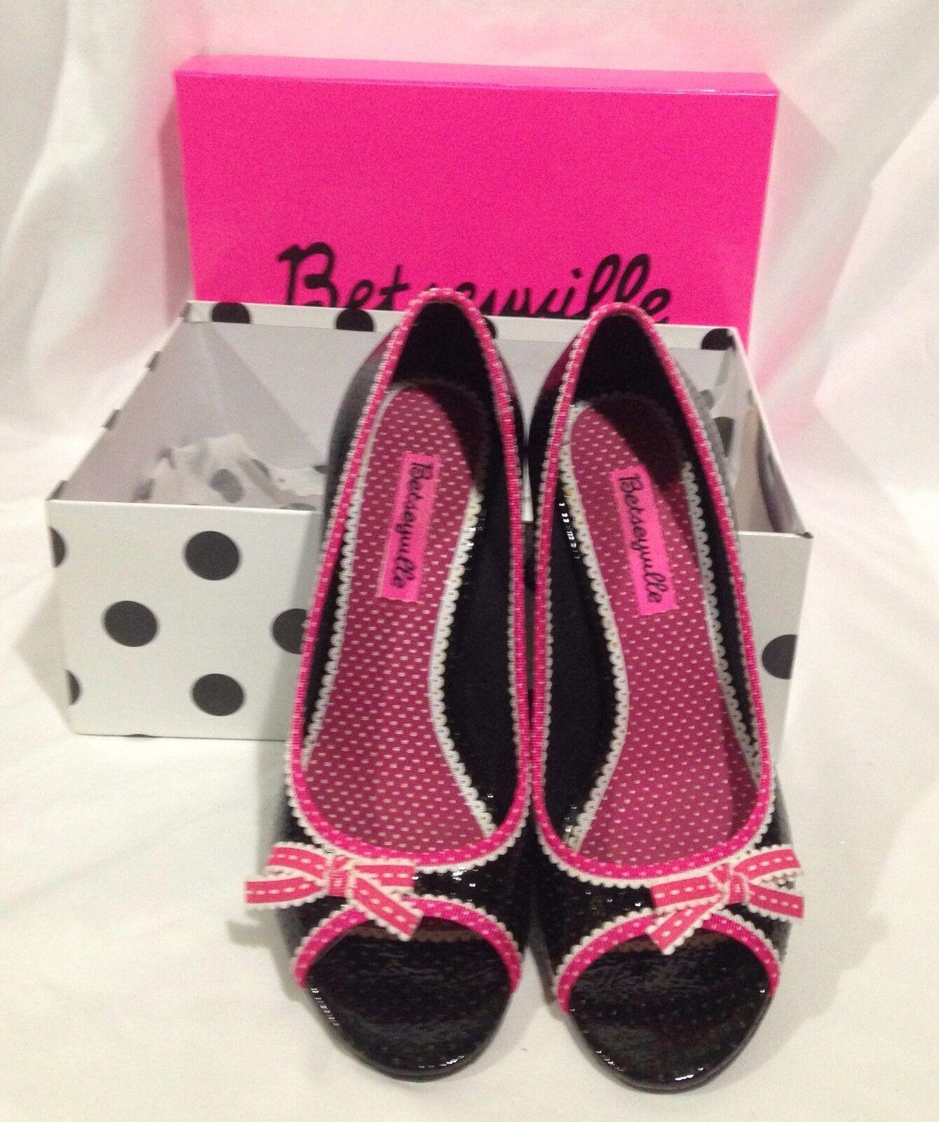 Betsyville Size 6.5 Med Black   Pink Open Toe High Heel shoes Slight wear - Box