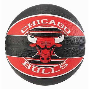 Spalding-Chicago-Bulls-NBA-Team-Outdoor-Rubber-Cover-Basketball