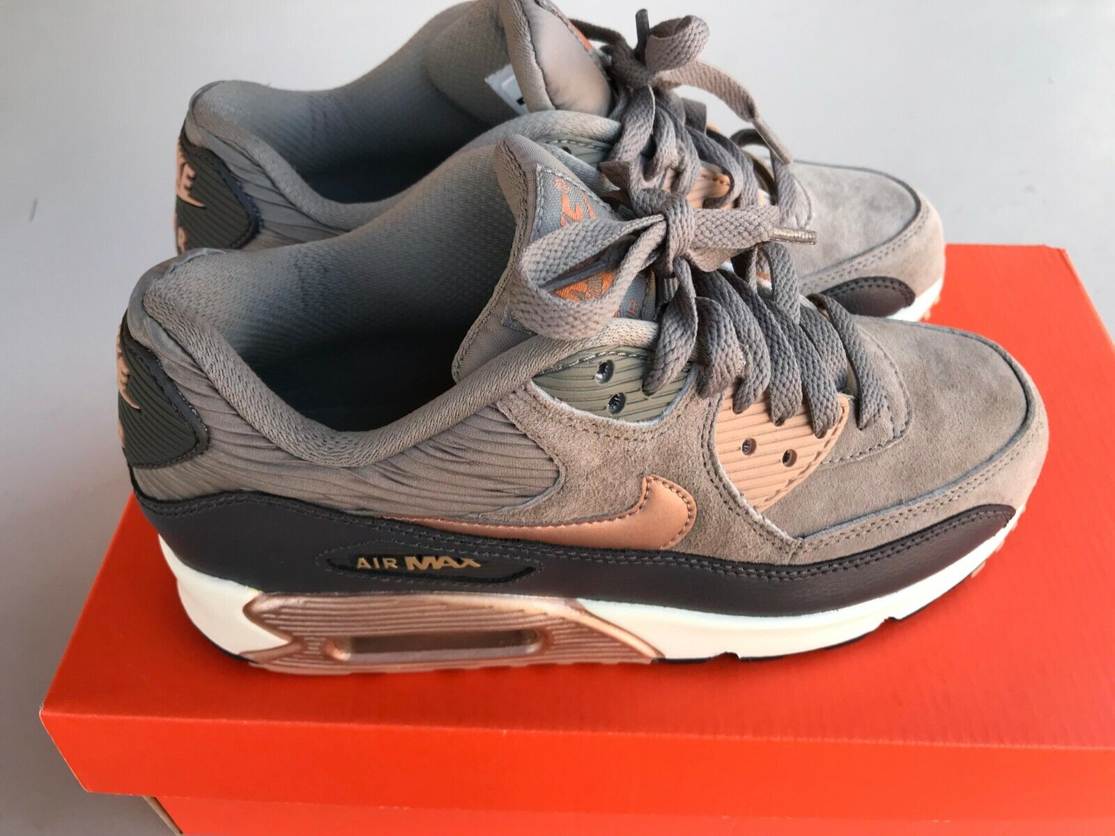 NIB Authentic Women's Nike Air Max -Size 6.5