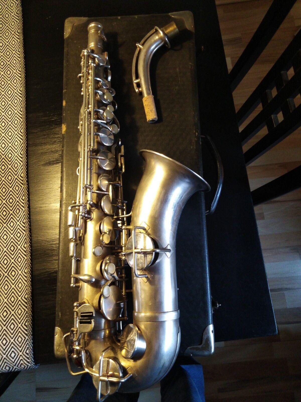 American Standard (Weiß) , überholtes amerikanisches Alt Saxophon