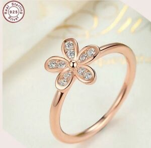 925-ROSE-GOLD-PLATED-DAISY-RING-STACKING-8-Q-CRYSTALS-LADY-GIFT-BRIDE-AF2