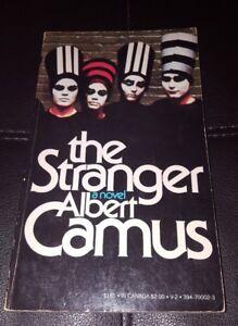 The-Stranger-Albert-Camus-Vintage-Classics-Mystery-Paperback