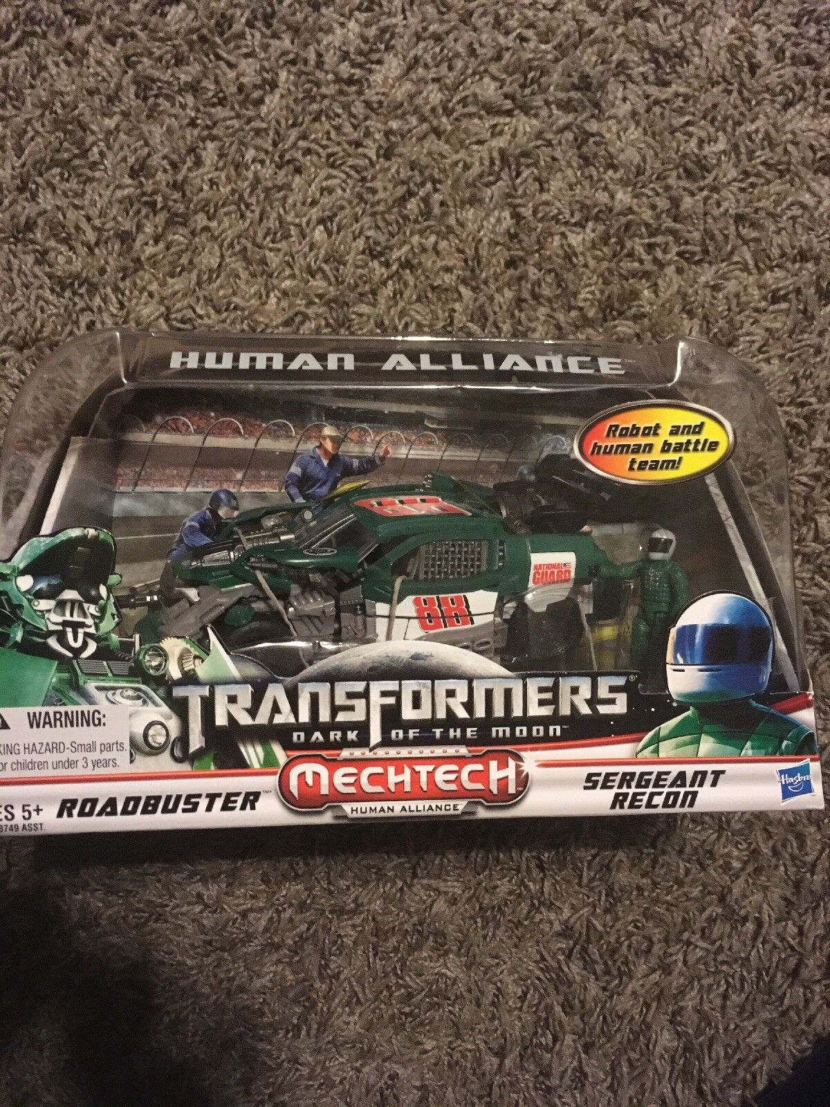 Transformers DOTM Human Alliance Roadbuster With Sergeant Recon MISB Hasbro 2011