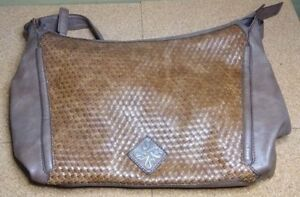 SIMPLY-VERA-VERA-WANG-Women-039-s-Brown-FAUX-LEATHER-Hand-amp-Shoulder-Bag-Purse