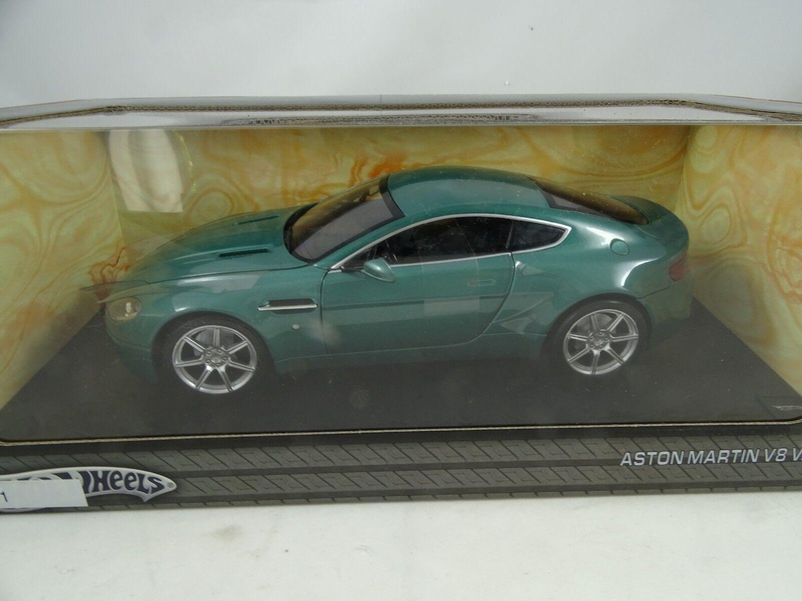 Hot Wheels H3068 Aston Martin V8 Vanatge MintVerde - Rareza