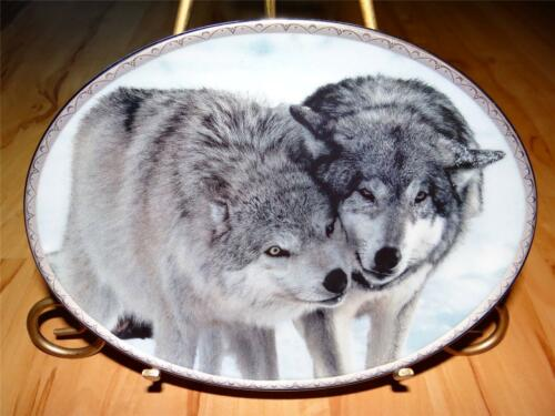"""Nuzzling"" TENDER MOMENTS by Jim Dutcher The Bradford Exchange Wolf Plate"