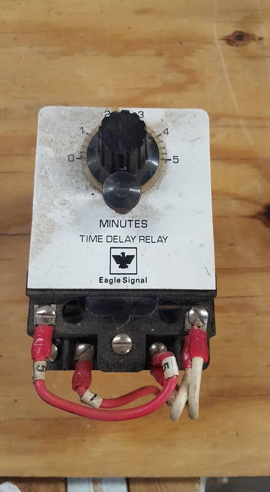 EAGLE SIGNAL BR17A603 ELECTRICAL RESET TIMER 120V  W210