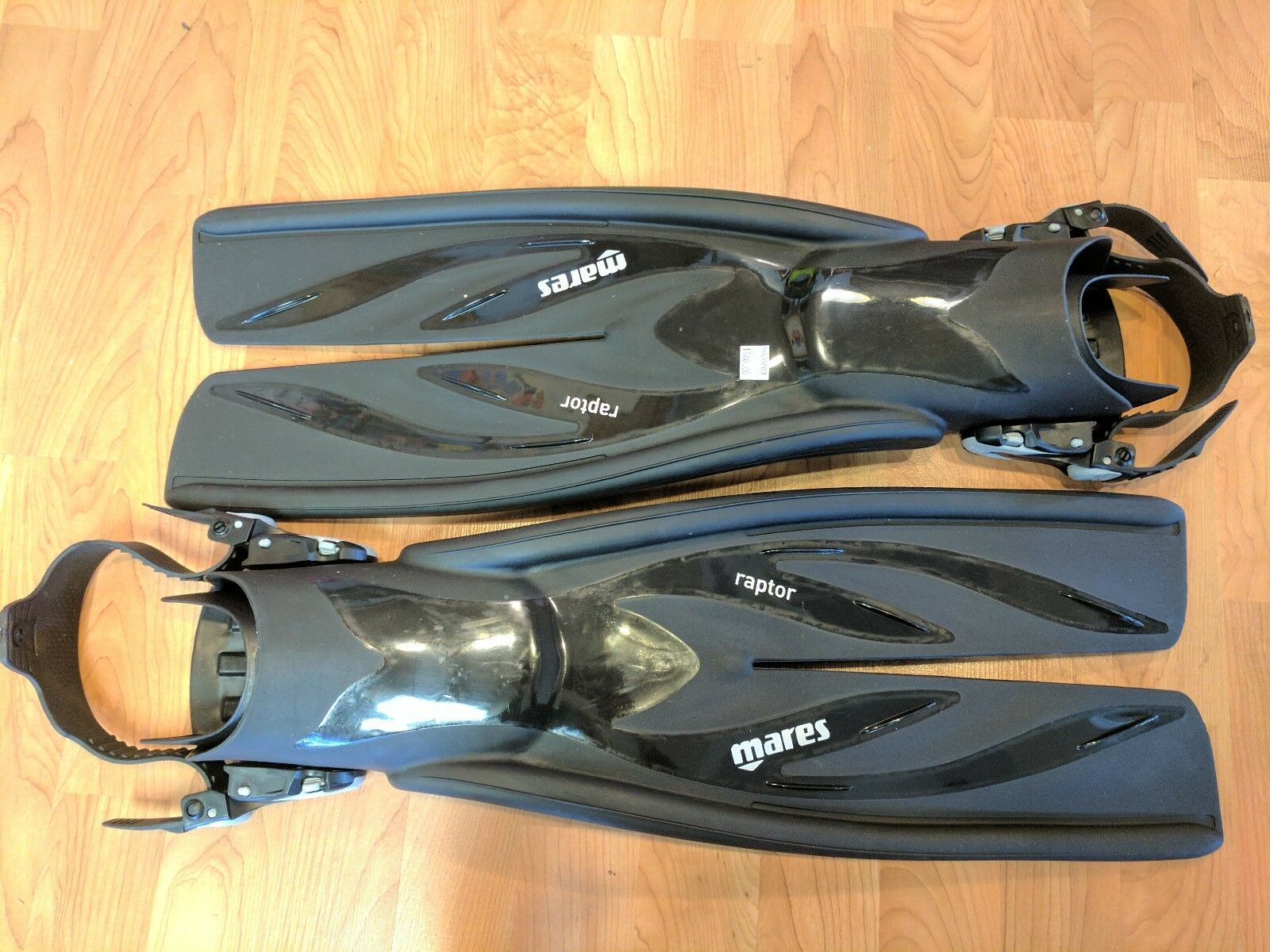 MARES  RAPTER FINS FOR SCUBA DIVING SIZE  SMALL  brand on sale clearance