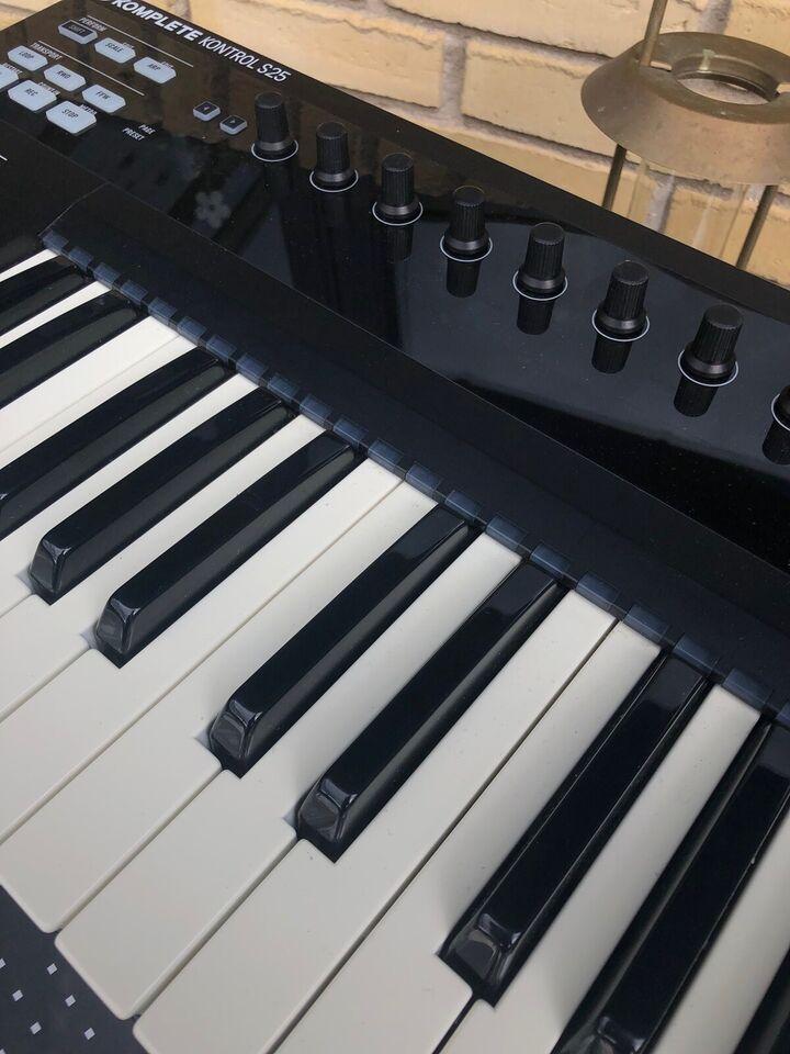 Synthesizer, Komplete Komplete kontrol S25