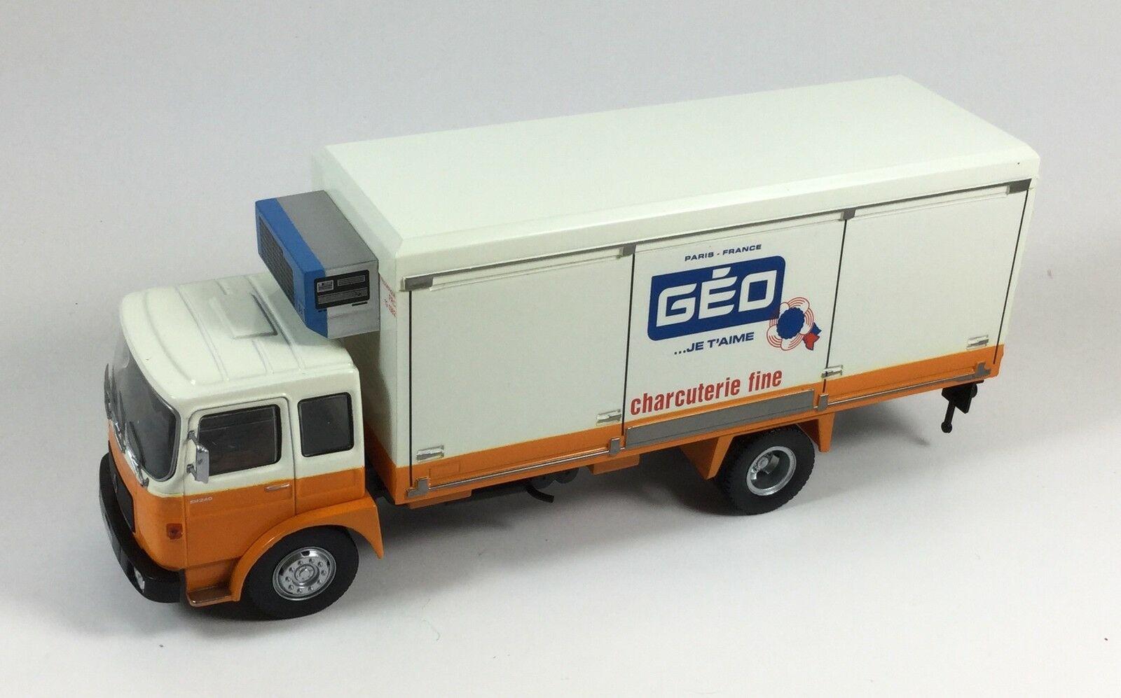 Saviem SM240 SM240 SM240 Géo • Ixo Altaya Camions • 1 43 • MINT + BOX + FASCICULE 438d09