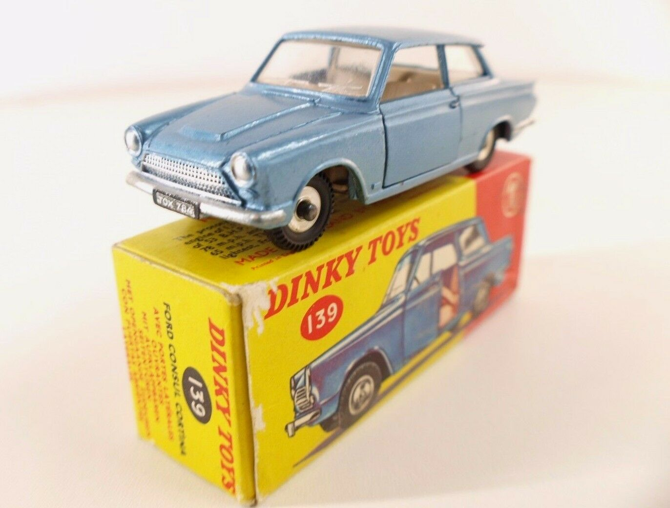 Joyeux Noël, bon shopping Dinky Toys GB n° 139 Ford Consul Cortina en boite | Bonne Réputation Over The World