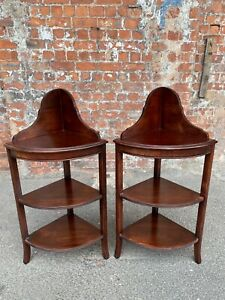 PAIR OF MAHOGANY SHAPED CORNER SHELVES - TWO LOVELY THREE-TIER CORNER WOT-NOTS