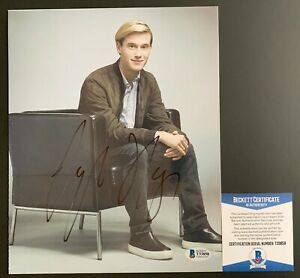 Tyler-Henry-Autographed-Hollywood-Medium-8x10-Photo-Signed-Beckett-COA