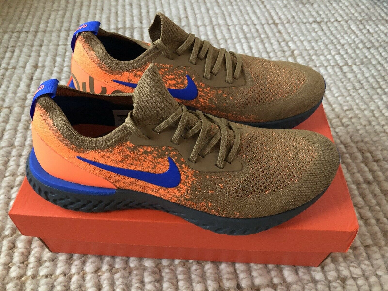 New Nike Mens Epic React Flyknit Size 10.5 golden Beige Racer blueee AV8068 200