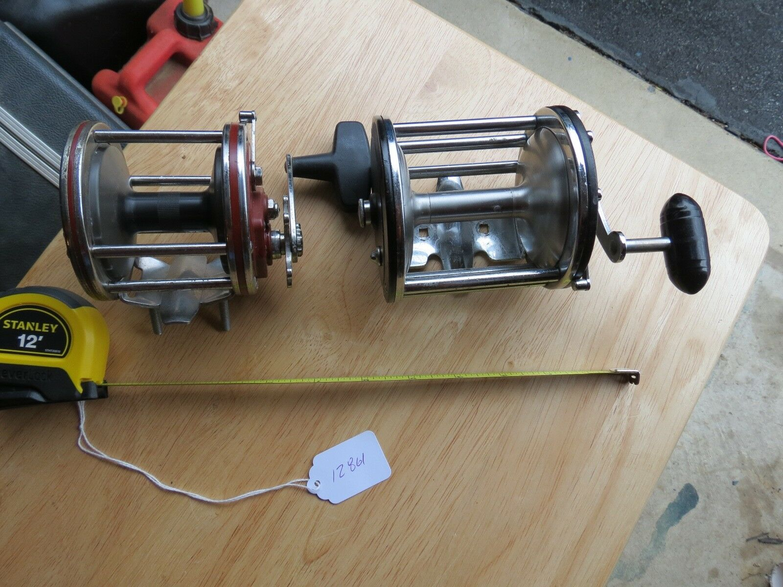 Penn Senator 30 fishing reel & Long Beach 68 lot 12861