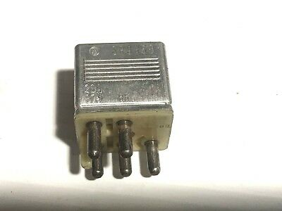 Multi-purpose Mercedes-Benz Relay Genuine Mercedes 0015420219