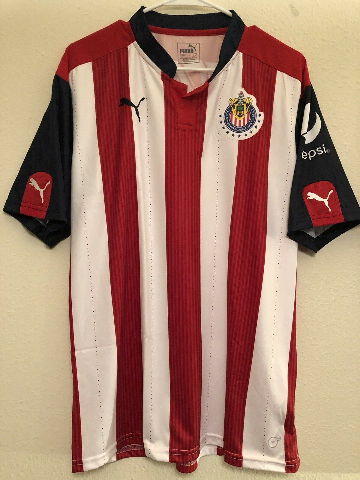 1c11a71c8 Club Deportivo Guadalajara MLS USA Soccer jersey football shirt shirt shirt  Men s L Mexico 5e2733