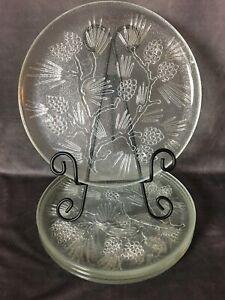 4-Vintage-Dinner-Plates-10-034-by-Tiara-Ponderosa-Pine-Indian-Glass-Co-Pinecones