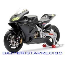 MINICHAMPS VALENTINO ROSSI 1/12 HONDA RC211V 2002 TESTBIKE CARBON LIVERY MOTOGP