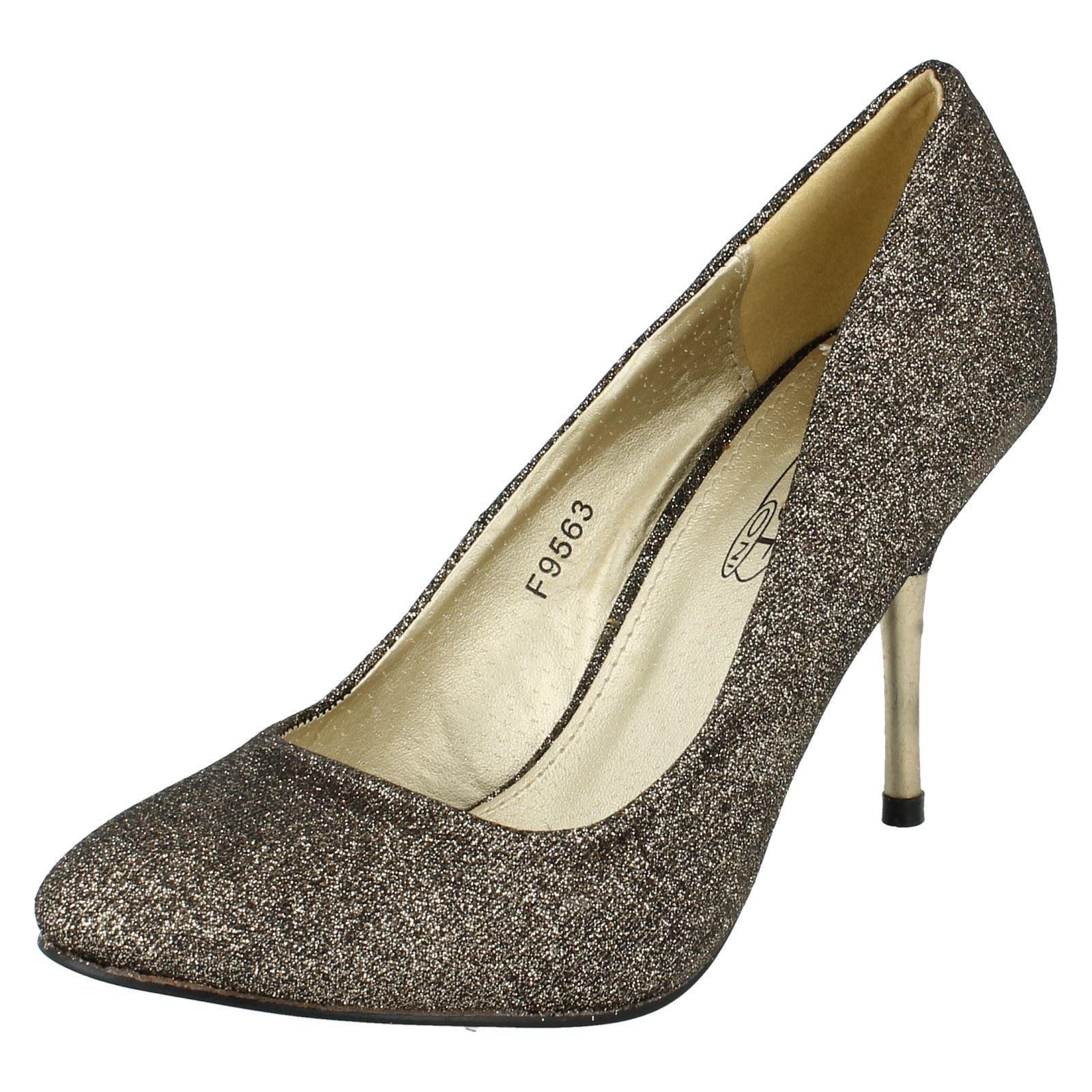 Moda jest prosta i niedroga LADIES SPOT ON BLACK/GOLD GLITTER COURT SHOE STYLE - F9563
