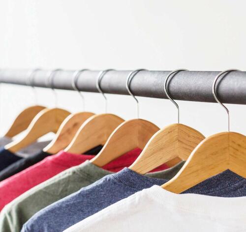 16 Kleiderbügel Holz Natur mit Steg Stange Garderoben Bügel Hose Jacken Kleider