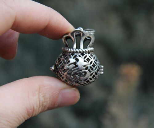 5 CM China Miao Silver Handwork Blessing Cion Money Bag Necklace Amulet Pendant